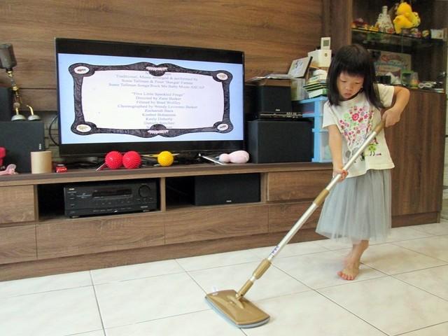 【360度旋轉拖把推薦】好神拖 免手洗旋轉平板拖把組~小朋友也能輕鬆打掃幫忙家務嘍!